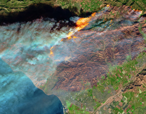 Fire in Ventura County, California_NASA Earth Observatory .jpg