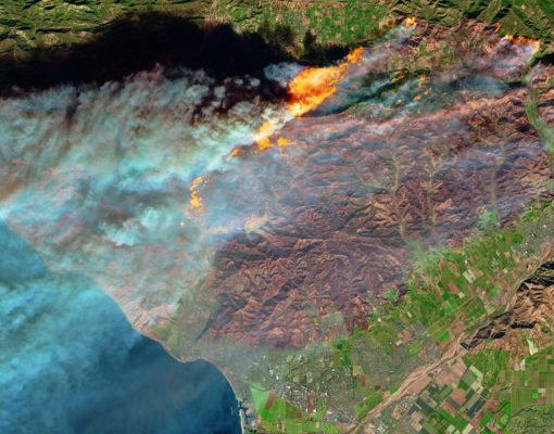 Fire in Ventura County, California_NASA Earth Observatory .jpg